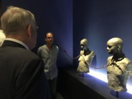 Jean-Marc Ayrault lors de la visite du mémorial ACTe. Musée national de l'esclavage